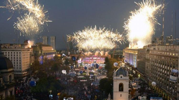 Festejos por el Bicentenario de Argentina 5745daa894e97_750x420