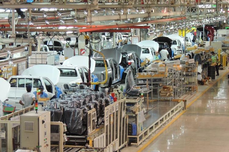 La actividad económica cayó 5,9% en julio