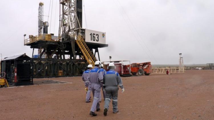 YPF da de baja equipos de producción y habrá 1700 despidos