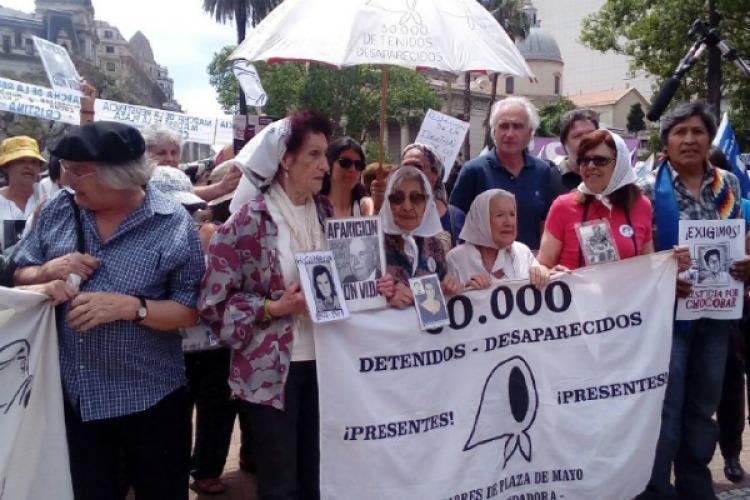 Madres de Plaza de Mayo inician Marcha de la Resistencia