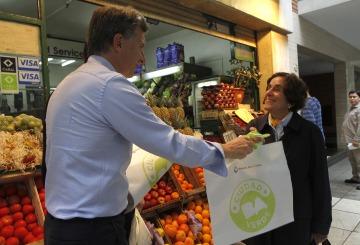Nuevo derrumbe del consumo de familias en supermercados y shoppings en noviembre