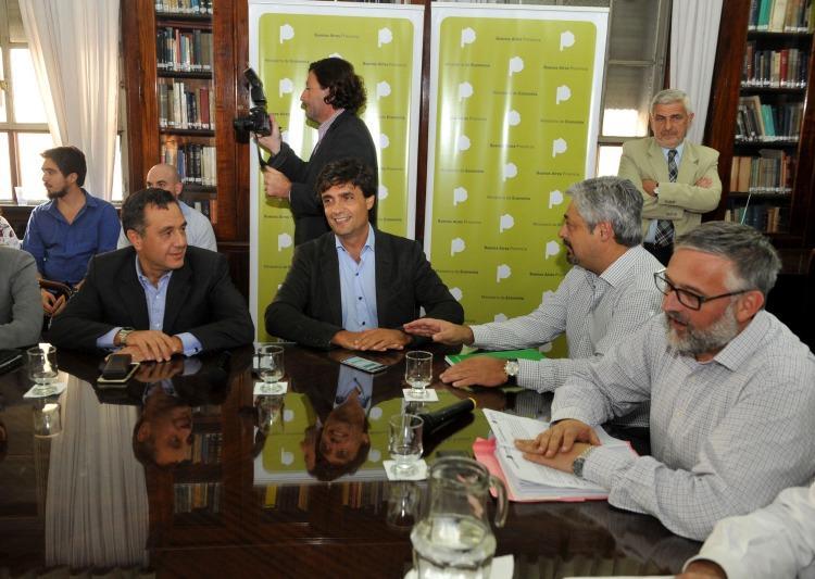 Sobre la derecha, Villegas, el ministro de Vidal que va por los gremios
