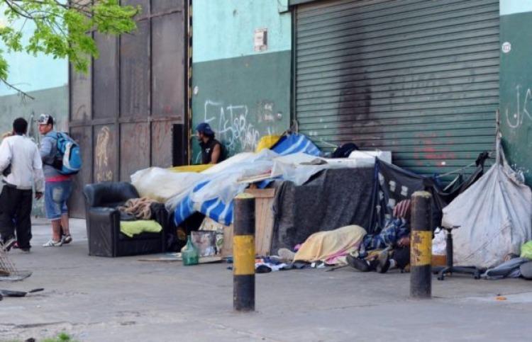El aumento de personas en situación de calle es de un 20%