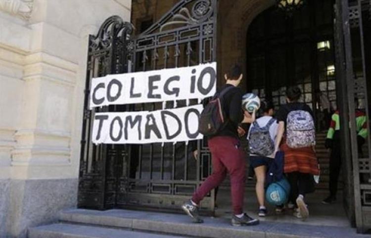 Comenzaron a levantar las tomas de colegios en Buenos Aires