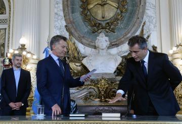 """Para recuperar el """"tiempo perdido"""", asumieron los dos nuevos ministros del Macri del """"reformismo permanente"""""""