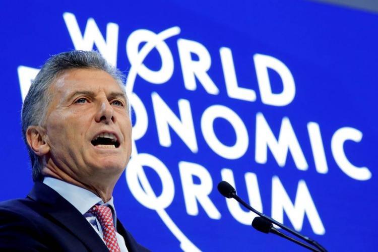 Macri anunció la reducción del 25% de cargos políticos y del nepotismo