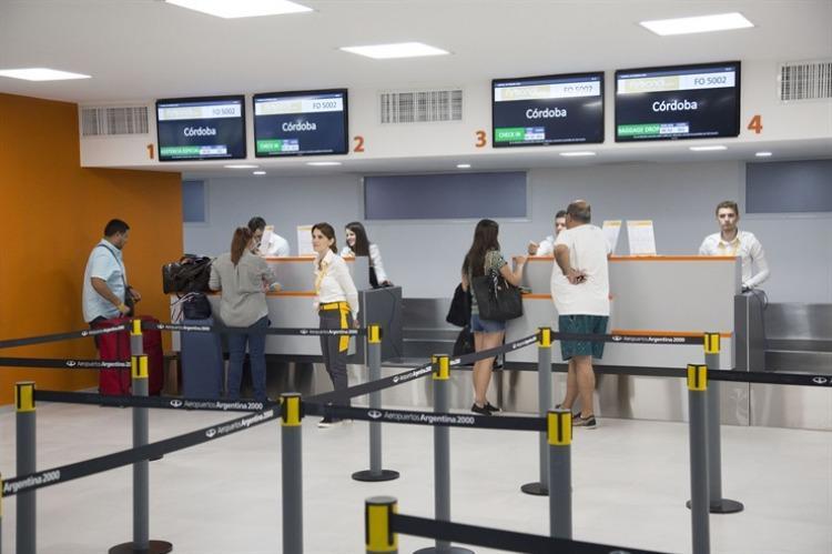 Flybondi y otra polémica: falla técnica dejó a pasajeros varados en Córdoba