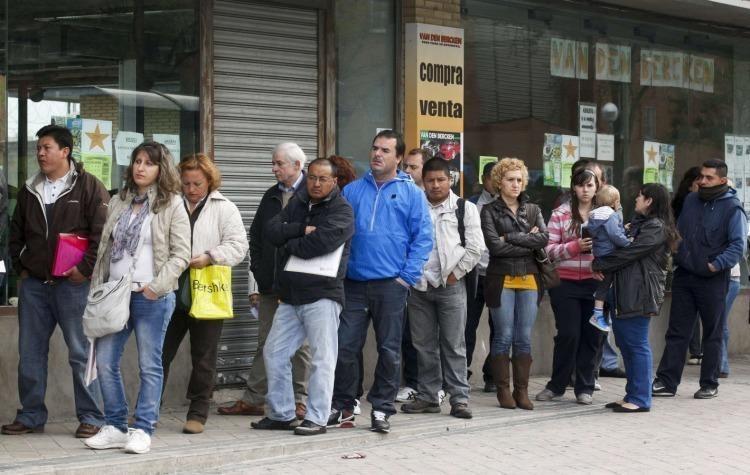 Según el INDEC, la desocupación bajó al 7,2%