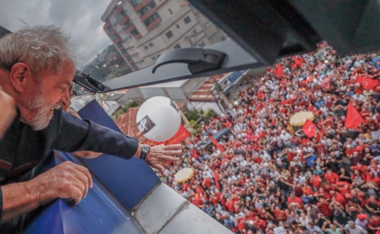 La defensa de Lula presentó un recurso para impedir detención