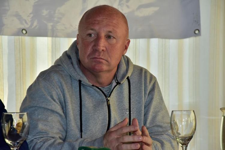 Detuvieron al entrenador del club Mac Allister por abusos