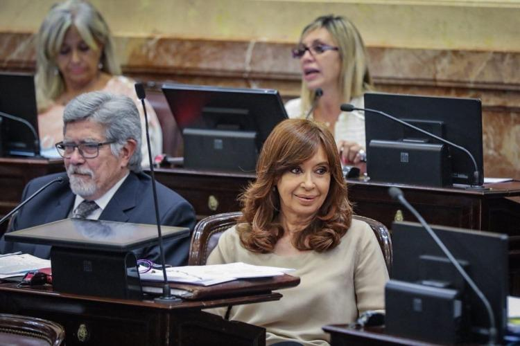 Tenso cruce entre Cristina y Michetti por las tarifas — Senado