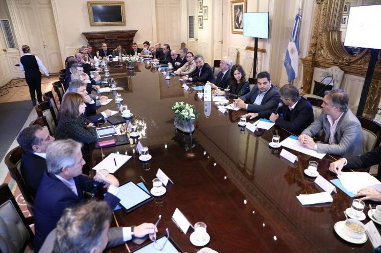 Mauricio Macri convocó a la oposición a