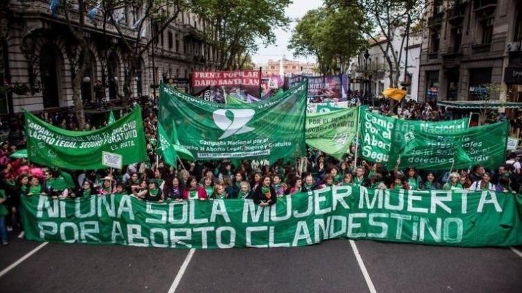 Aborto legal: salió el dictamen y mañana será tratado - Política