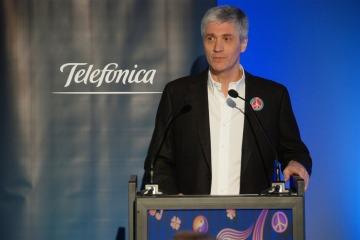 El Gobierno busca calmar a Telefónica por la fusión Telecom - Cablevisión y entrega  Aerolíneas a uno de sus ex directivos