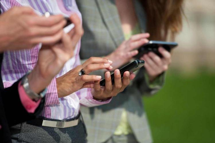 Otro tarifazo: en diciembre van a aumentar fuerte los celulares