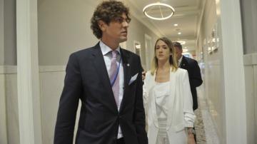 Lousteau se fue de gira con Macri, pero presiona para una PASO nacional