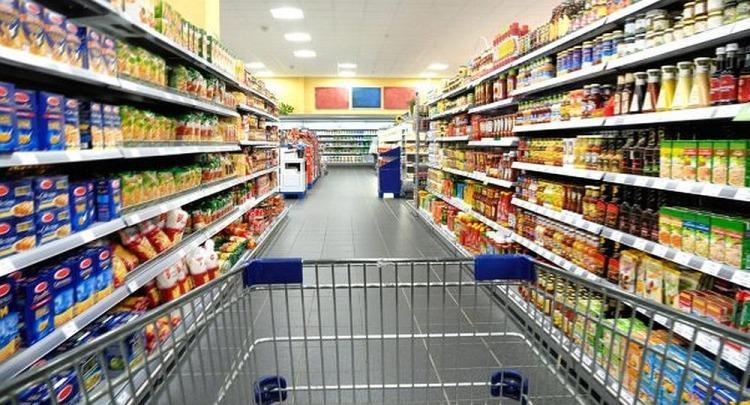Las ventas en súper y shopping se derrumbaron hasta 15,1% en enero