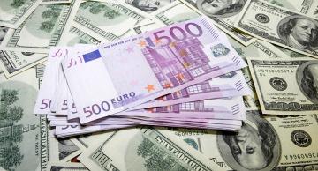 Jornada de récords negativos para Macri: el dólar roza los $44 y el euro ya vale más de $ 50