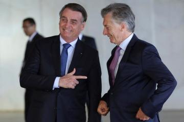 Bolsonaro hace campaña del miedo en Brasil con la Argentina de Macri como ejemplo de crisis