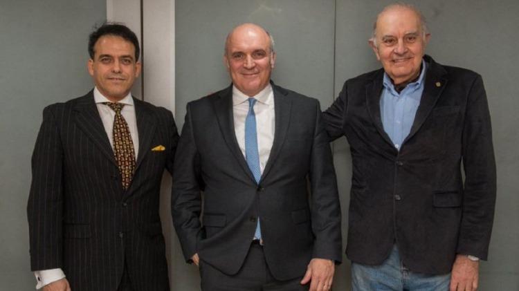 A la izquierda, Gonzalo Mansilla de Souza, el presidente nacional de UCeDe que inscribió al partido en Despertar