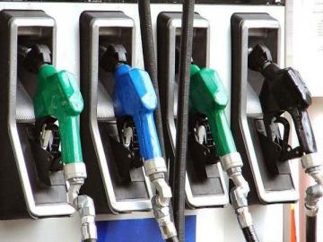 Fracasó el congelamiento de combustibles y el Gobierno anunció un nuevo aumento