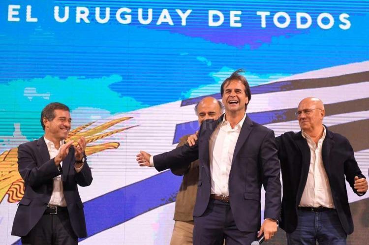 Lacalle Pou busca que 100 mil argentinos se muden a Uruguay