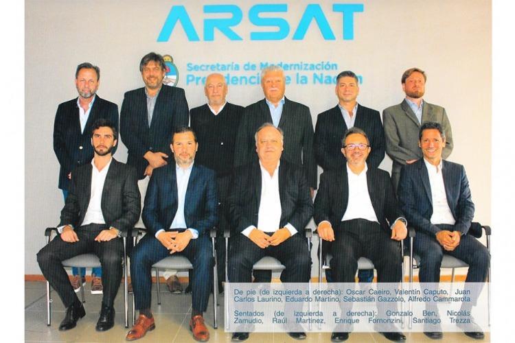 Imagen del libro de ARSAT (P12)