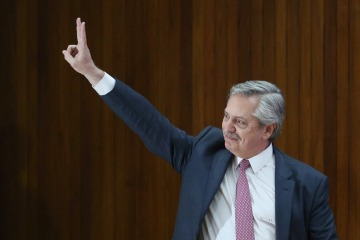 El proyecto de Alberto Fernández para reestructurar la deuda que dejó Macri ya ingresó al Congreso