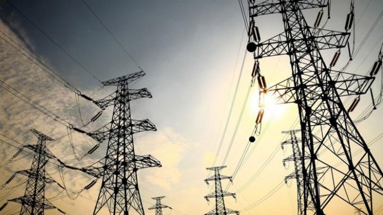 El Gobierno busca ahorrar U$S300 millones en la generación eléctrica