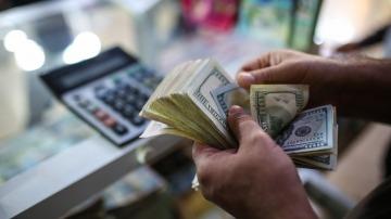 """El Gobierno advirtió sobre posibles restricciones a la compra de """"dólar ahorro"""" para garantizar la """"estabilidad macro"""""""