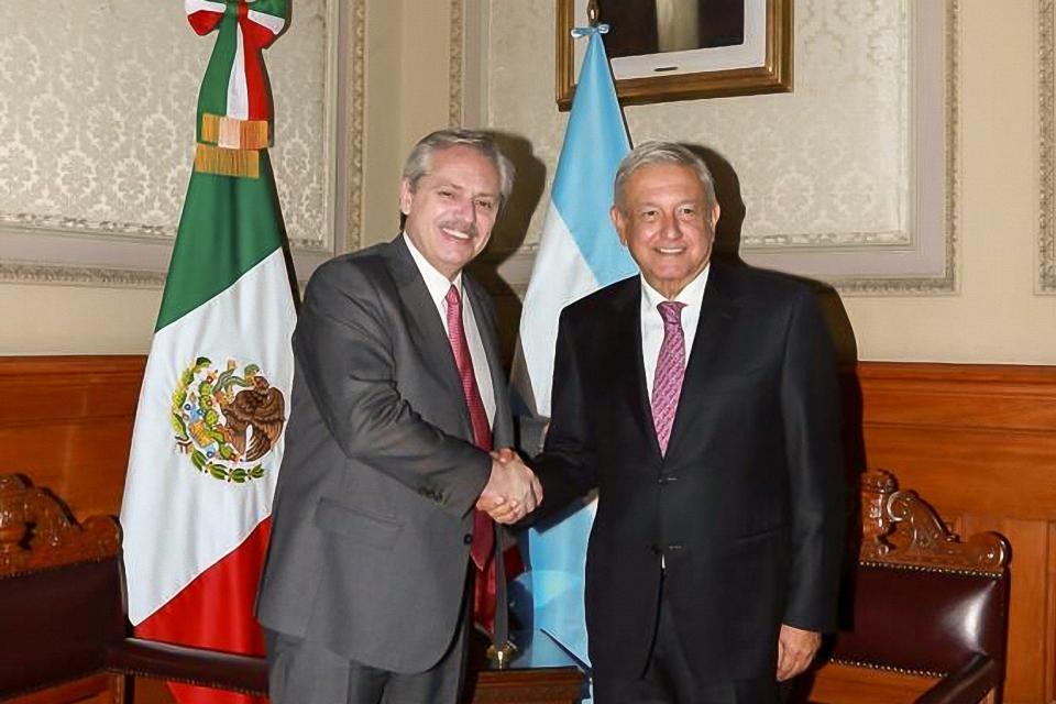 """Con la """"impronta de fortalecer las relaciones"""", Alberto viaja a México en el bicentenario de ese país"""