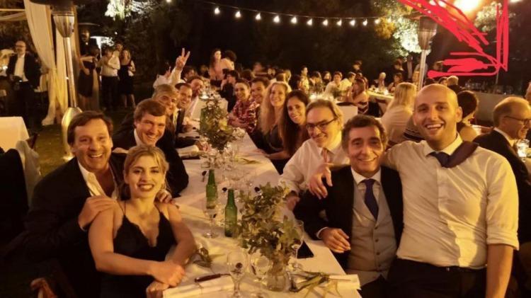 """A la derecha de la imagen, hacia el fondo, Rosenkrantz en la fiesta de casamiento de la hija de """"Pepín"""" Simón"""