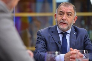 "Juez se suma a la ola de rechazos contra Macri: ""Yo no hubiese ido a vacunarme afuera"""