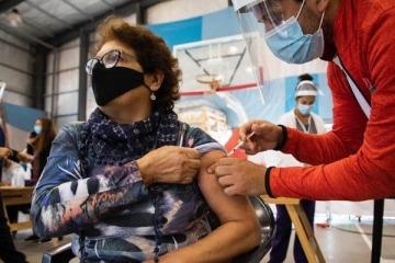 Vacunas: La Provincia envió nuevos turnos y la Ciudad habilitará la inscripción para otro grupo sin comorbilidades