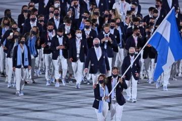 """Con una """"destacada"""" entrada de la delegación argentina, iniciaron los Juegos Olímpicos Tokio 2020"""