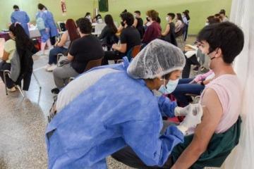 Arranca la vacunación para adolescentes con comorbilidades de entre 12 y 17 años