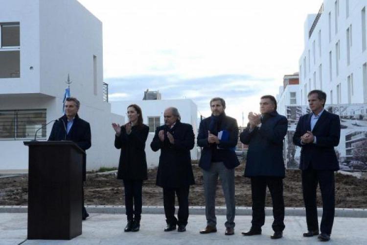 Macri lanz un nuevo plan de viviendas y critic el for Plan de viviendas macri