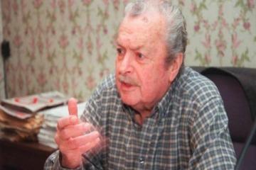 Pintaron cruces esvásticas en la tumba de un histórico diputado alfonsinista