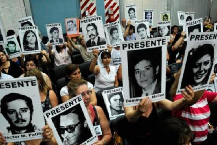 Familiares de víctimas en una audiencia de la megacausa en 2013.