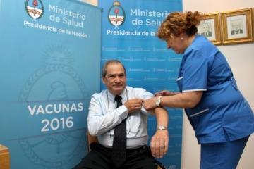 Más dengue y gripe, menos remedios y prevención: balance del primer año de Lemus