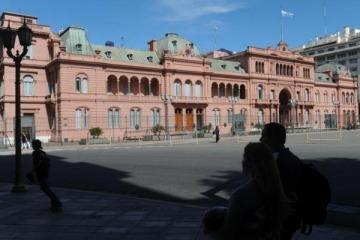 Los privados buscan un DNU de Macri para quedarse con la trasmisión del fútbol