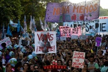 """Marcha del 8M: el 94% de los manifestantes cree que el Gobierno se ocupa """"poco y nada"""" del tema"""