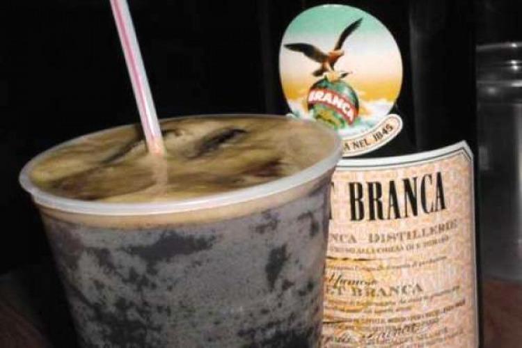 Peligro de desabastecimiento de Fernet Branca por un conflicto gremial
