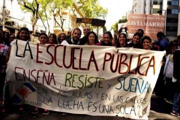 Diputados presentaron un proyecto que retoma un programa de Alfonsín para mejorar la educación pública