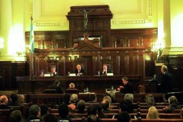 La Corte decretó que prescriben los reclamos de indemnización de víctimas de la dictadura