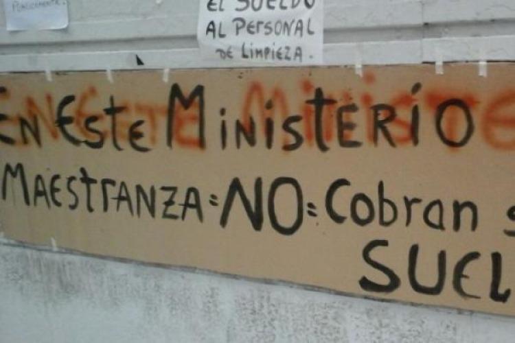 Conflicto laboral en el interior del ministerio de trabajo for Sueldos del ministerio del interior