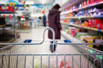 Pese a los intentos del Gobierno para llegar bien a las elecciones, el consumo no repuntará
