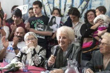 Las Abuelas de Plaza de Mayo recuperaron al nieto 122