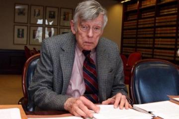 Reapareció Griesa y le ordenó a la Argentina negociar con 6 fondos buitres