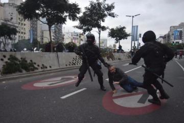 La Policía de la Ciudad reprimió a manifestantes frente al Ministerio de Desarrollo Social